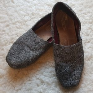 TOMS Heathered Black Slip On Flats 8.5